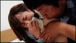 【ブリット】再婚相手の連れ子が無防備な女子校生で股間暴走生中出し! #011