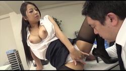 【クリスタル映像】妻にバレたくない部下との痴女残業NTR #005
